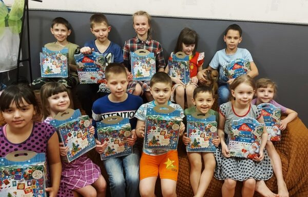 500 благотворительных подарков — детям!